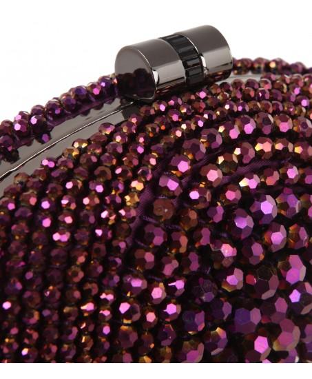 Clutch mit glänzenden Perlen in Violett