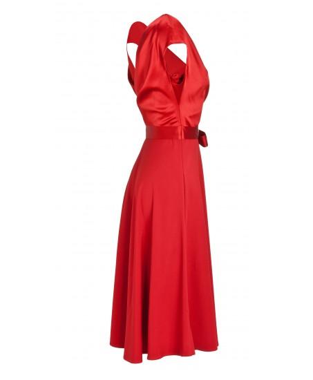 Ausgestelltes Kleid mit Schleife in Rot