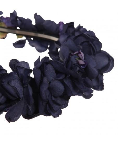 Haarkranz aus dunkelblauen Seidenblumen
