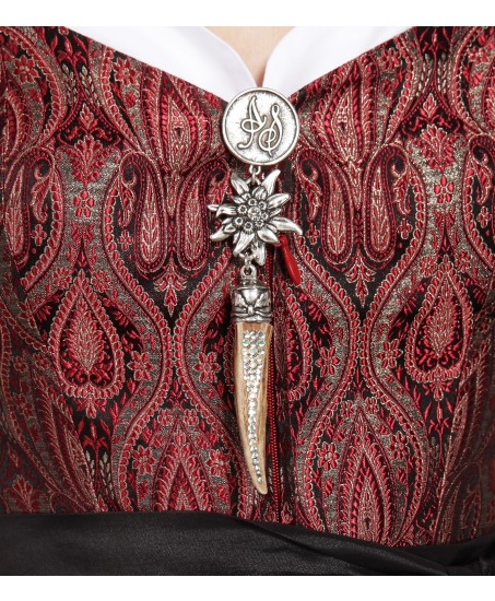 Dirndl in Rot mit Ornamenten