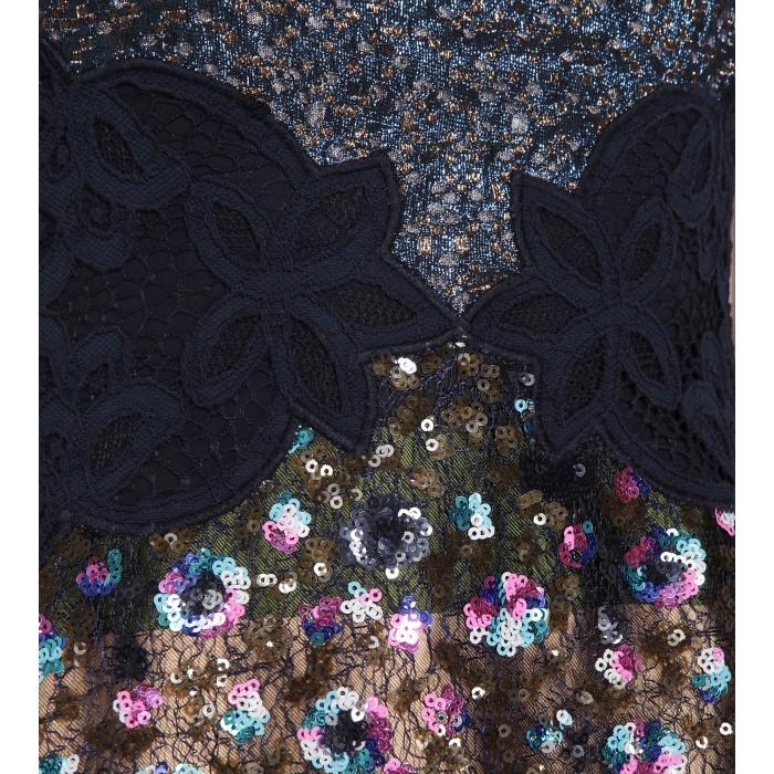 Abendkleid mit Blumenbestickung