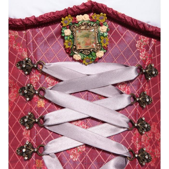 Dirndl in Pink mit Ornamenten