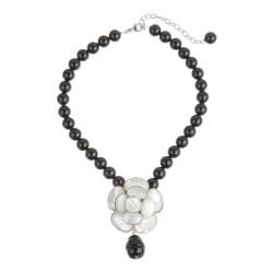 Perlenkette in Schwarz/Weiss