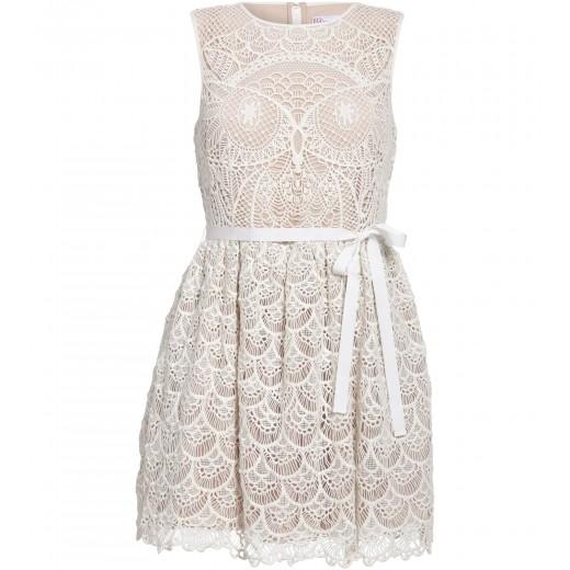 Weißes Kleid aus feiner Spitze