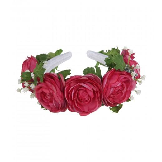 Blumenkranz aus Rosenblüten