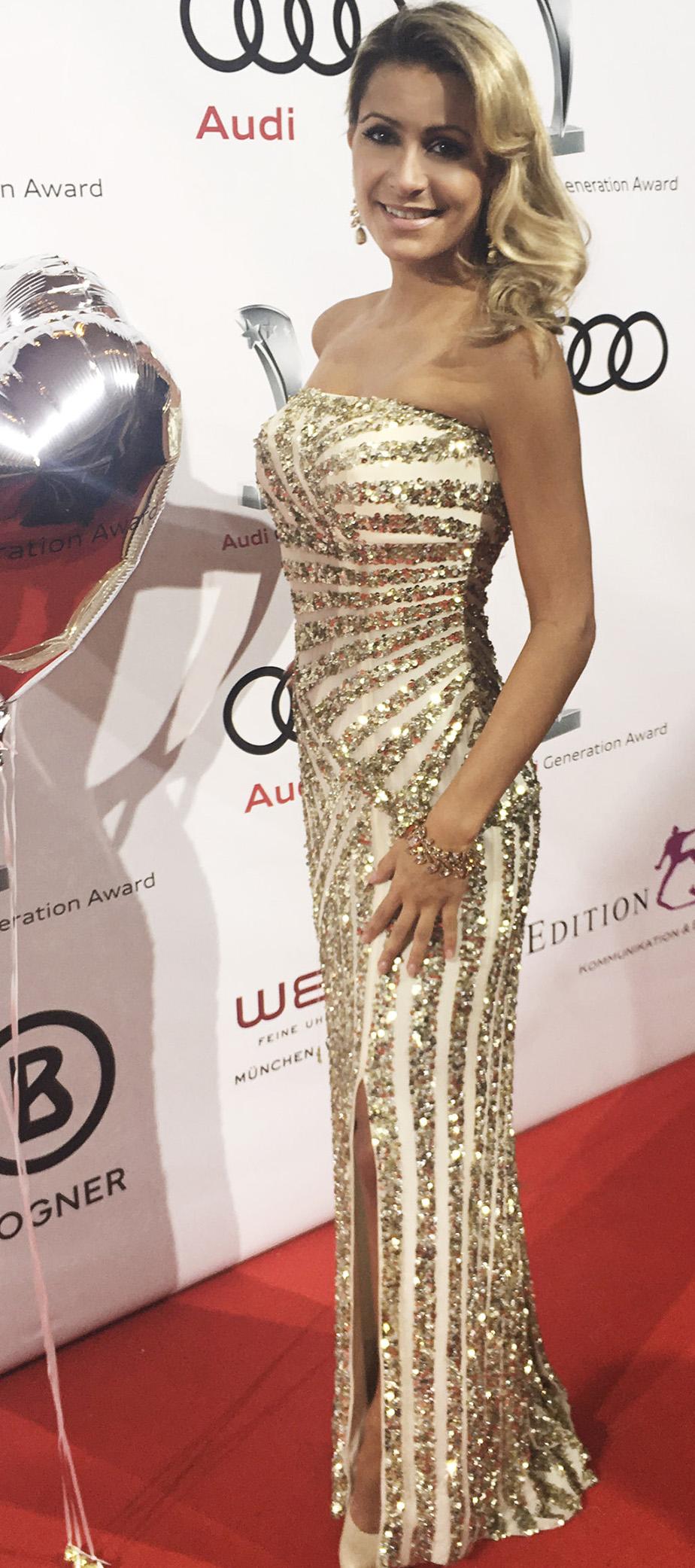 Gestreiftes Bustierkleid mit Pailletten in Gold