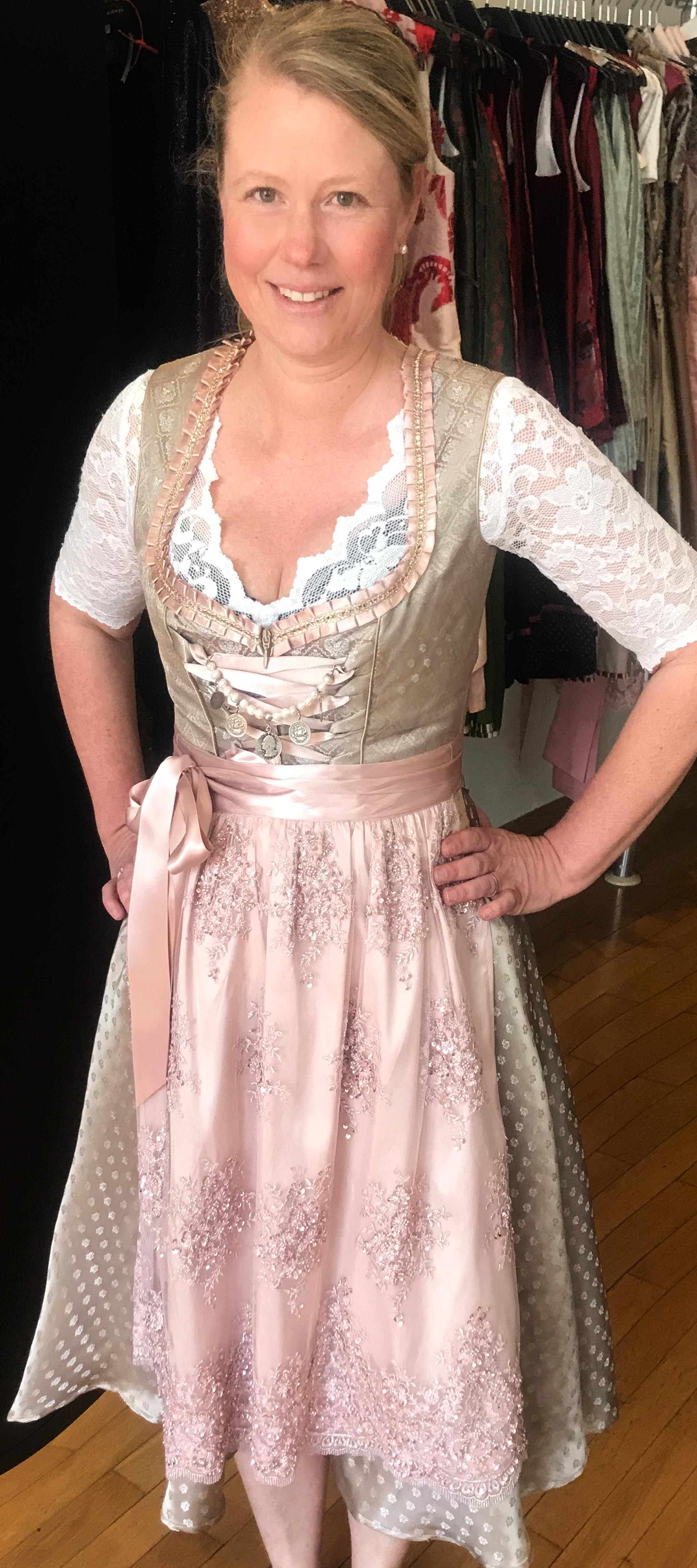 Dirndl Sissi in Rosé /Gold