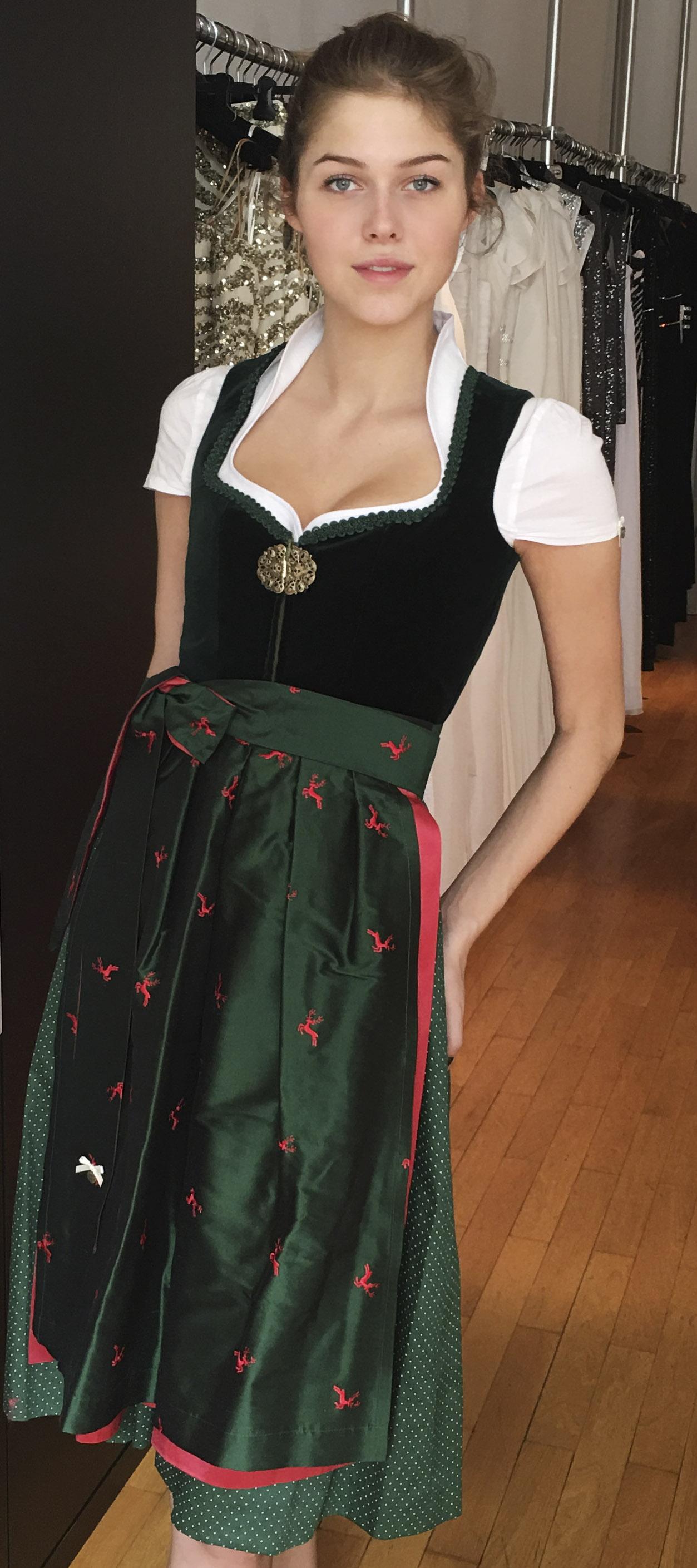 Samtdirndl Elisabeth in Grün mit Hirschschürze