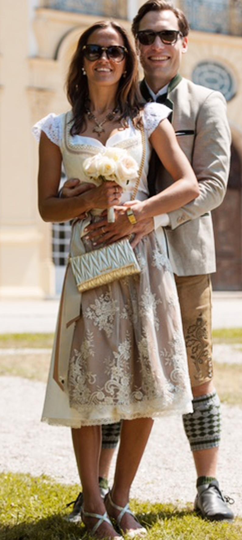 Hochzeitsdirndl Mary in Weiß/Gold