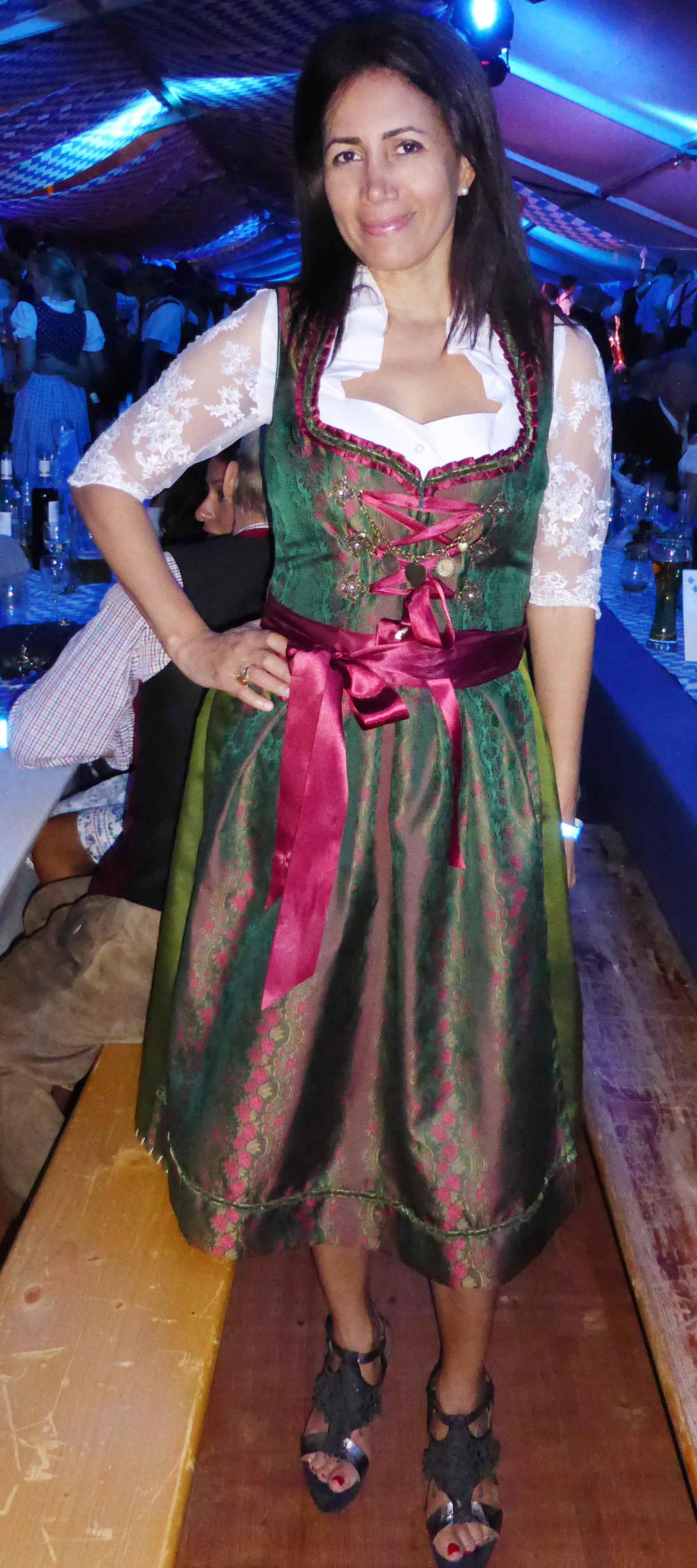 Dirndl Annabell in Trachtengrün