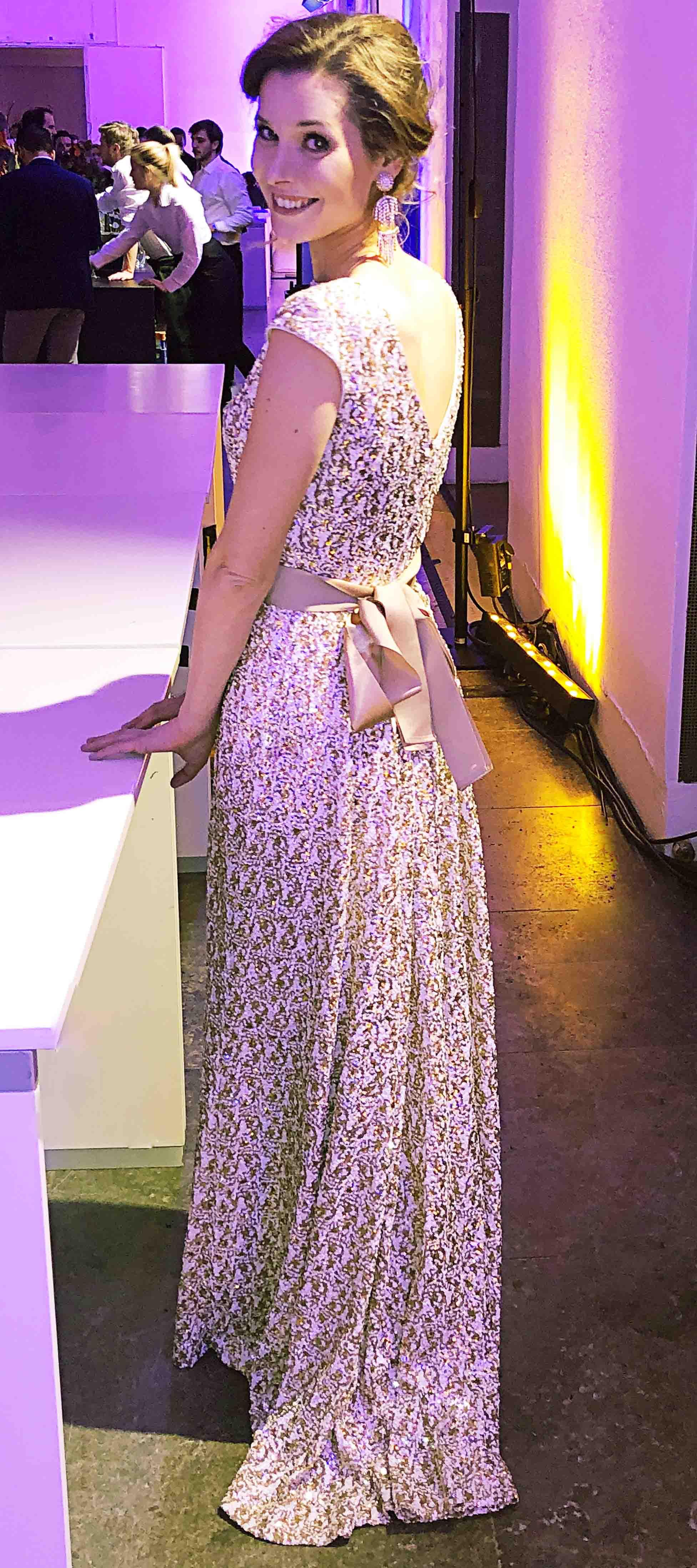 Katharina´s Kleid in Weiß-Gold