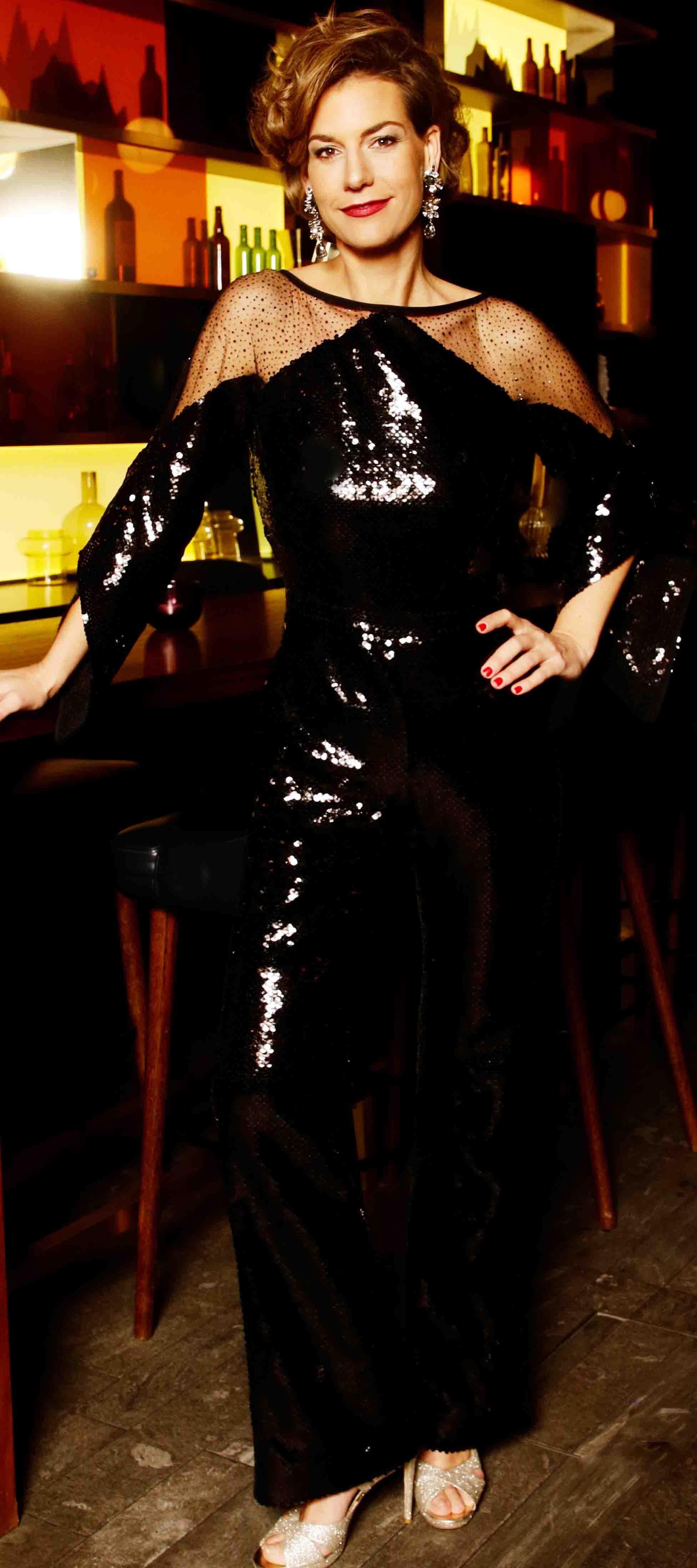 Sarah´s Jumpsuit aus schwarzen Pailletten