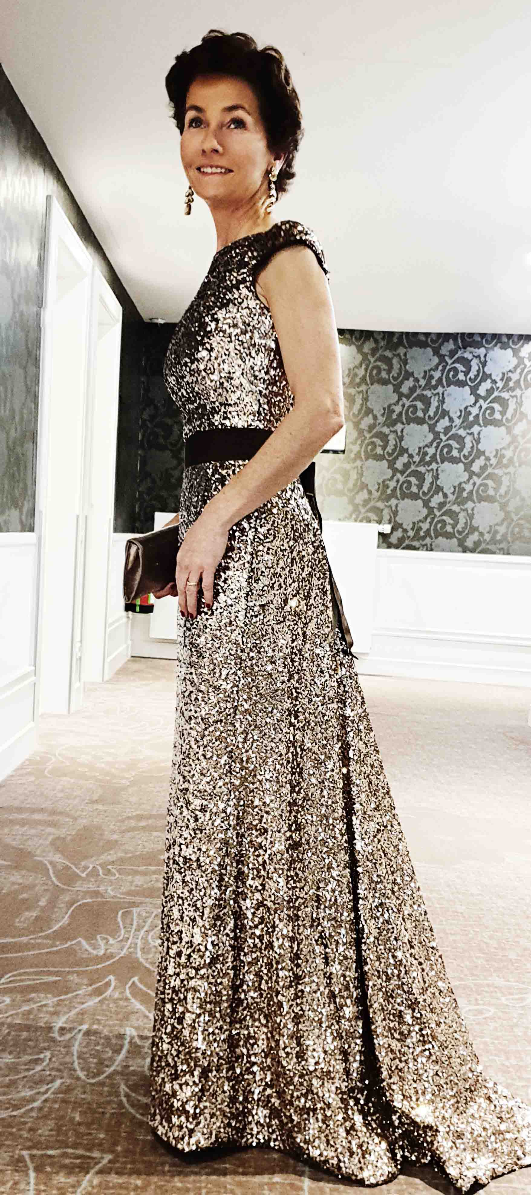 Elisabeth´s Abendkleid in Gold