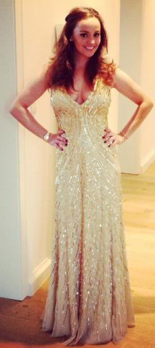 Patricia' s goldenes Kleid
