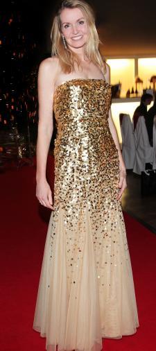 Susanne's Kleid in Gold