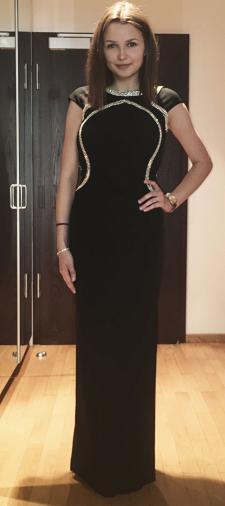 Elisabeth´s Kleid mit Bestickung