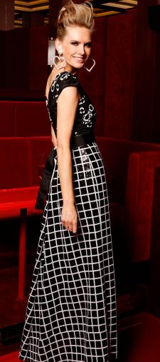 Vanessa´s Kleid in Black & White