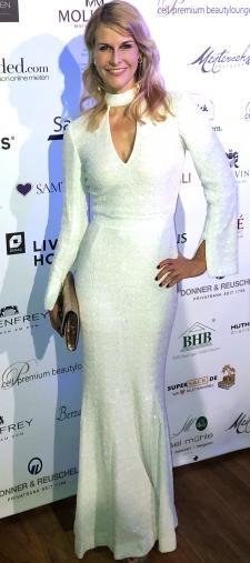 Natascha´s weißes Abendkleid