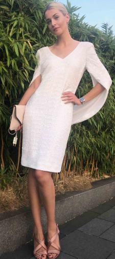 Julia´s Kleid mit Cape