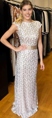 Celine´s Kleid in Gold-Weiss