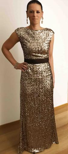 Caroline´s Kleid in Gold