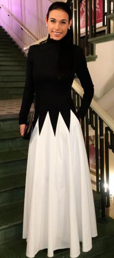Ella´s Abendkleid in Schwarz/Weiss