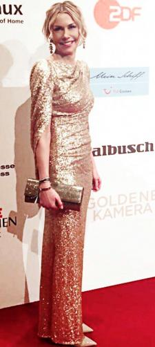 Claudia´s Paillettenkleid in Nude