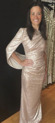 Nina´s goldenes Abendkleid