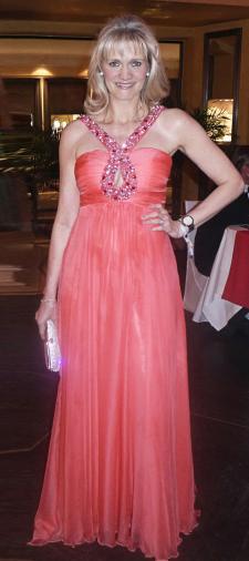 Claudia's Kleid mit Bestickung