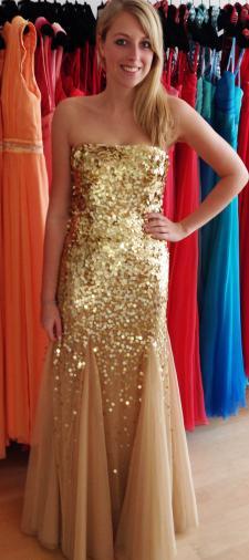 Anna´s Robe in Gold