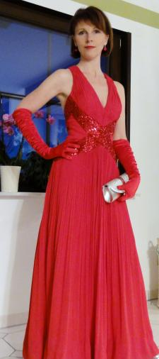 Annette's Ballkleid in Rot