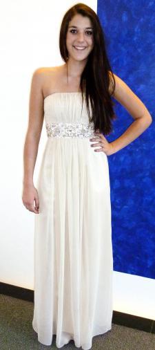 Anna´s Kleid mit Stickerei